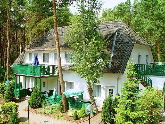 Ferienpark + Ferienhäuser
